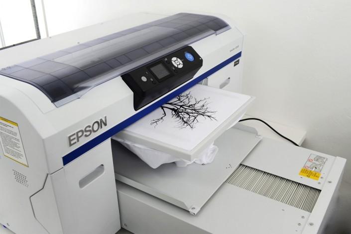 Makesigns Mediendesign produziert mit EPSON nach OEKO-TEX Standard 100.